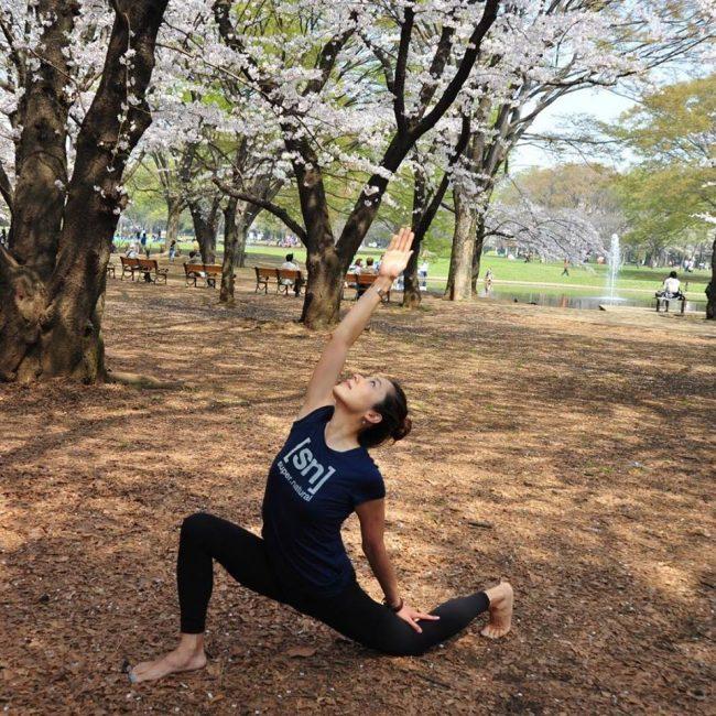 桜が咲く代々木公園で