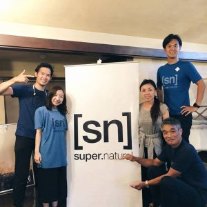 snチームで集合写真 @b_connect.exhibition