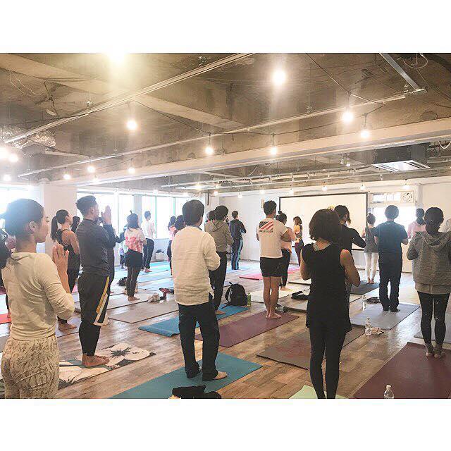 年末に名古屋で108回の太陽礼拝を開催しました。