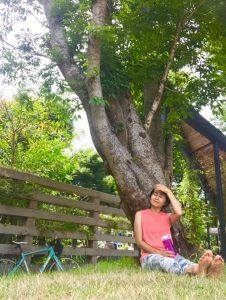 レッスン後に、 木陰でのんびり。